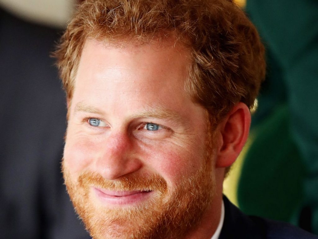 Articles  Here's What You Need To Know In Order To Date A Royal
