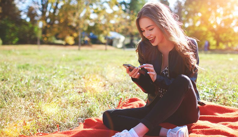 Relationships - Flirting  How to Keep a Text Conversation Going When You Have Nothing to Say
